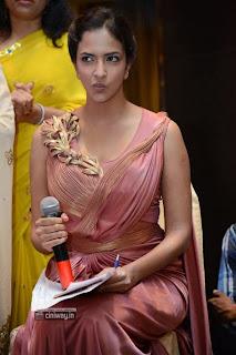 Lakshmi-Manchu-Prasanna-Stills-at-Doosukeltha-Audio-Launch