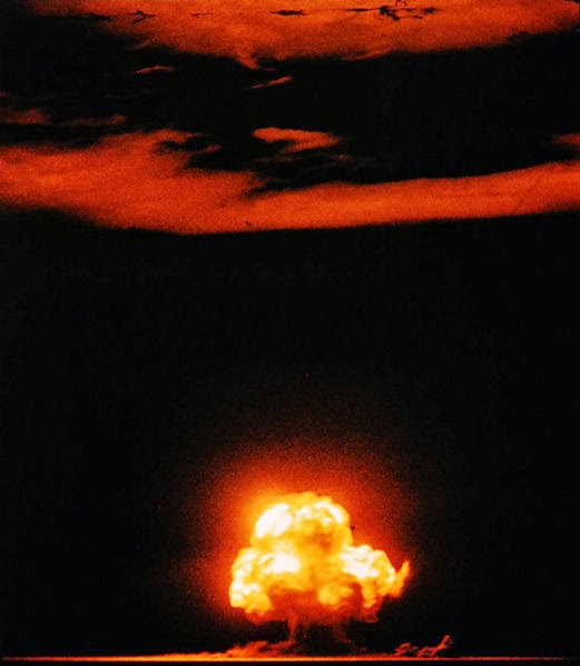 a history of the development and use of the atomic bomb In conclusion, it can be said that the history of the development of the atomic bomb was a tense and expensive process, which would  atomic bomb development.