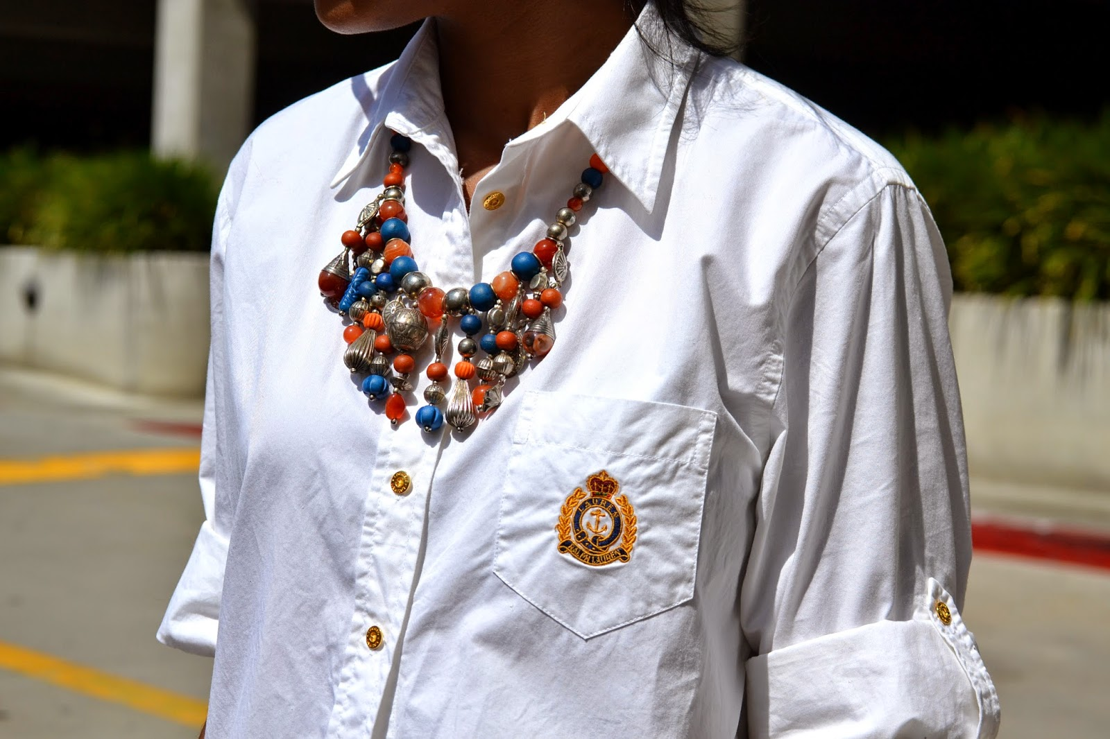 how to wear a vintage chunky beaded necklace