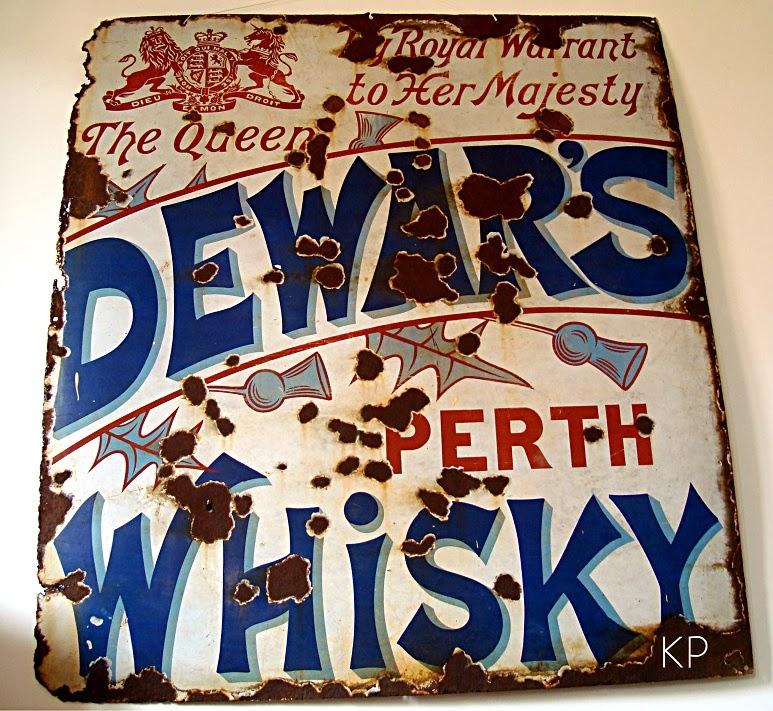 Comprar carteles esmaltados antiguos estilo vintage. Whisky dewar's escocés.