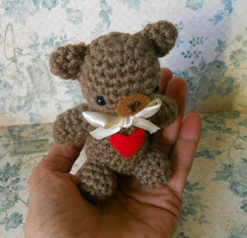 Amigurumi Valentine Teddy Bear Part Two : 2000 Free Amigurumi Patterns: Lovely Valentine Bear ...