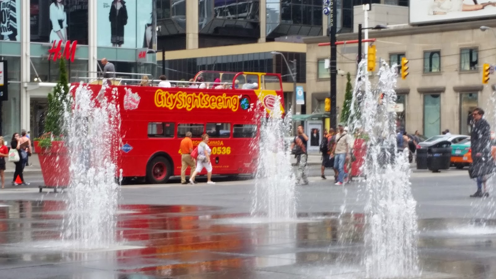 Toronto bus tours bring our history to life