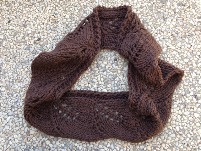 Vite Cowl Knitting Pattern : Roonie Ranching: Hats, cowls, and mittens