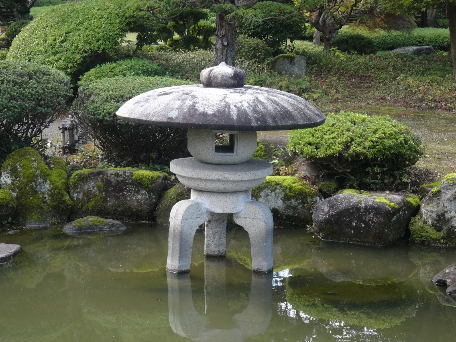 石灯籠,藤田記念庭園,弘前,青森〈著作権フリー画像〉Free Stock Photos