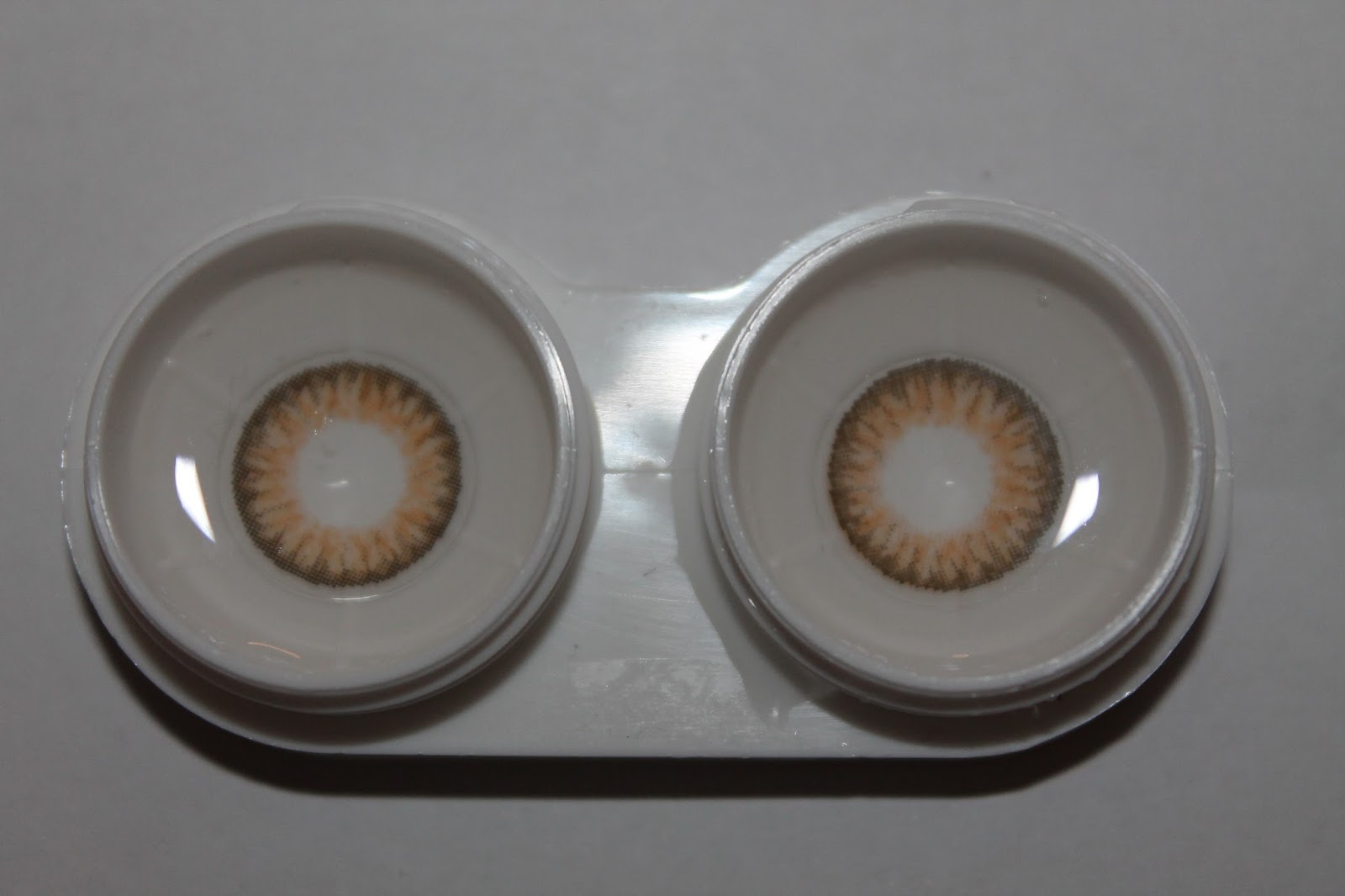 geo-tri-color-brown-circle-lens