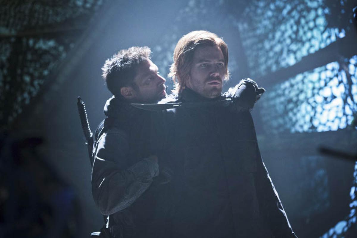 Manu Bennett es Deathstroke en Arrow y Crixus en Spartacus  War of Dammed