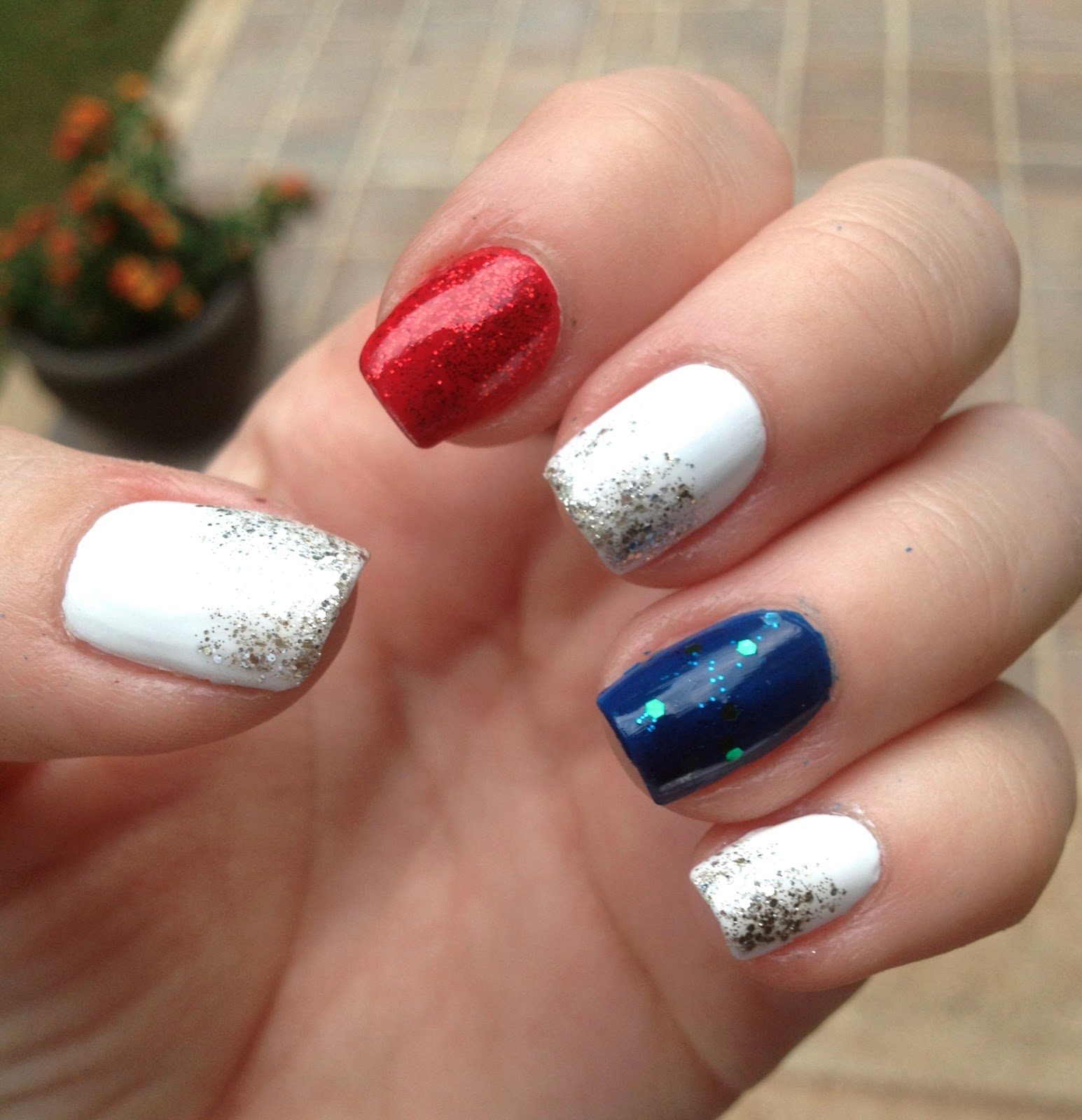 - TiffanyD: Easy Red, White, And Blue Nails
