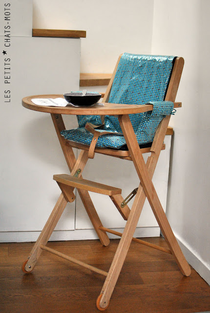 Chaise Haute Bois Combelle : Housse pour chaise haute Les petits chats mots
