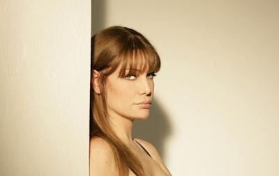 French Sexy Actress Evelina Manna Pics