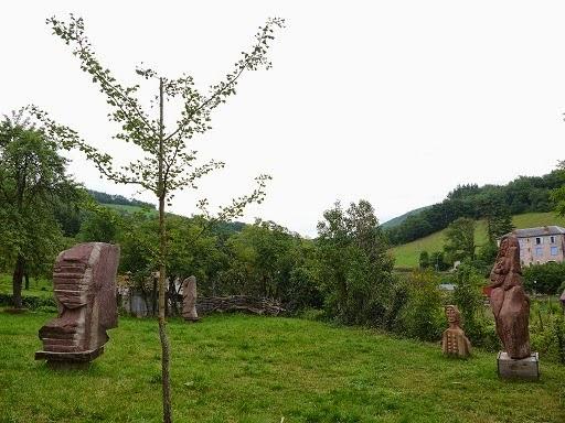 http://lesgrigrisdesophie.blogspot.fr/2014/09/le-jardin-des-sculptures-de-saint-sever.html