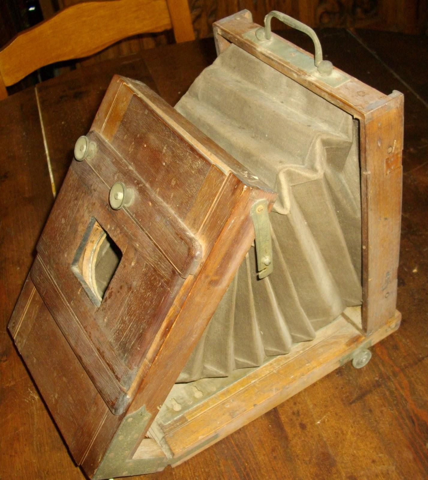 Ancien appareil photo en bois a for Chambre photographique