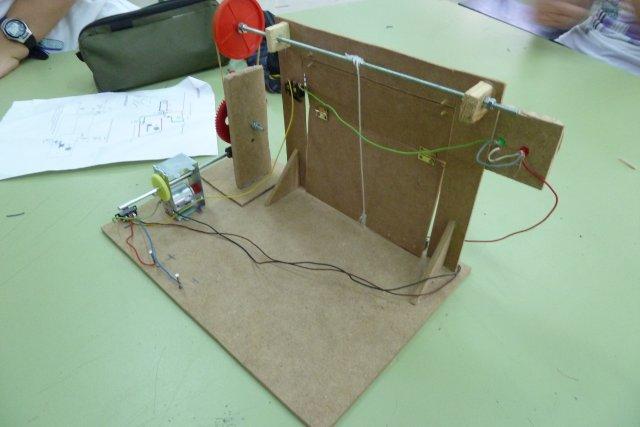La tecnolog a en el ies pedro mercedes proyecto i 3 eso - Proyecto puerta de garaje ...