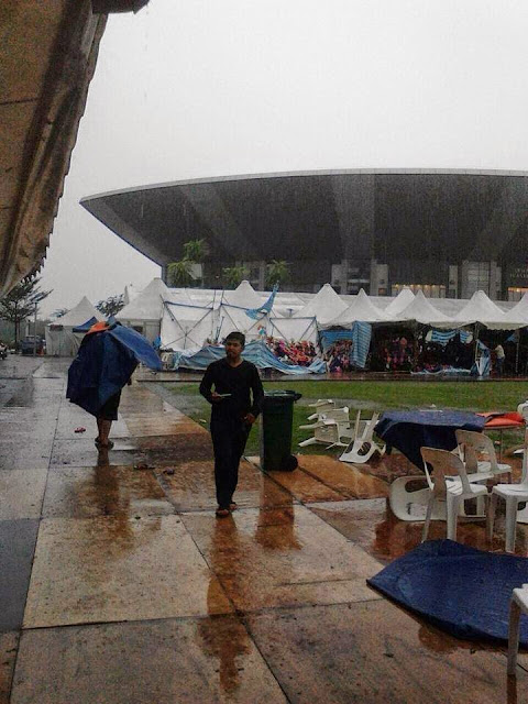 Gambar Kejadian Ribut Dan Banjir Di Shah Alam & Putrajaya 12 Mei 2015