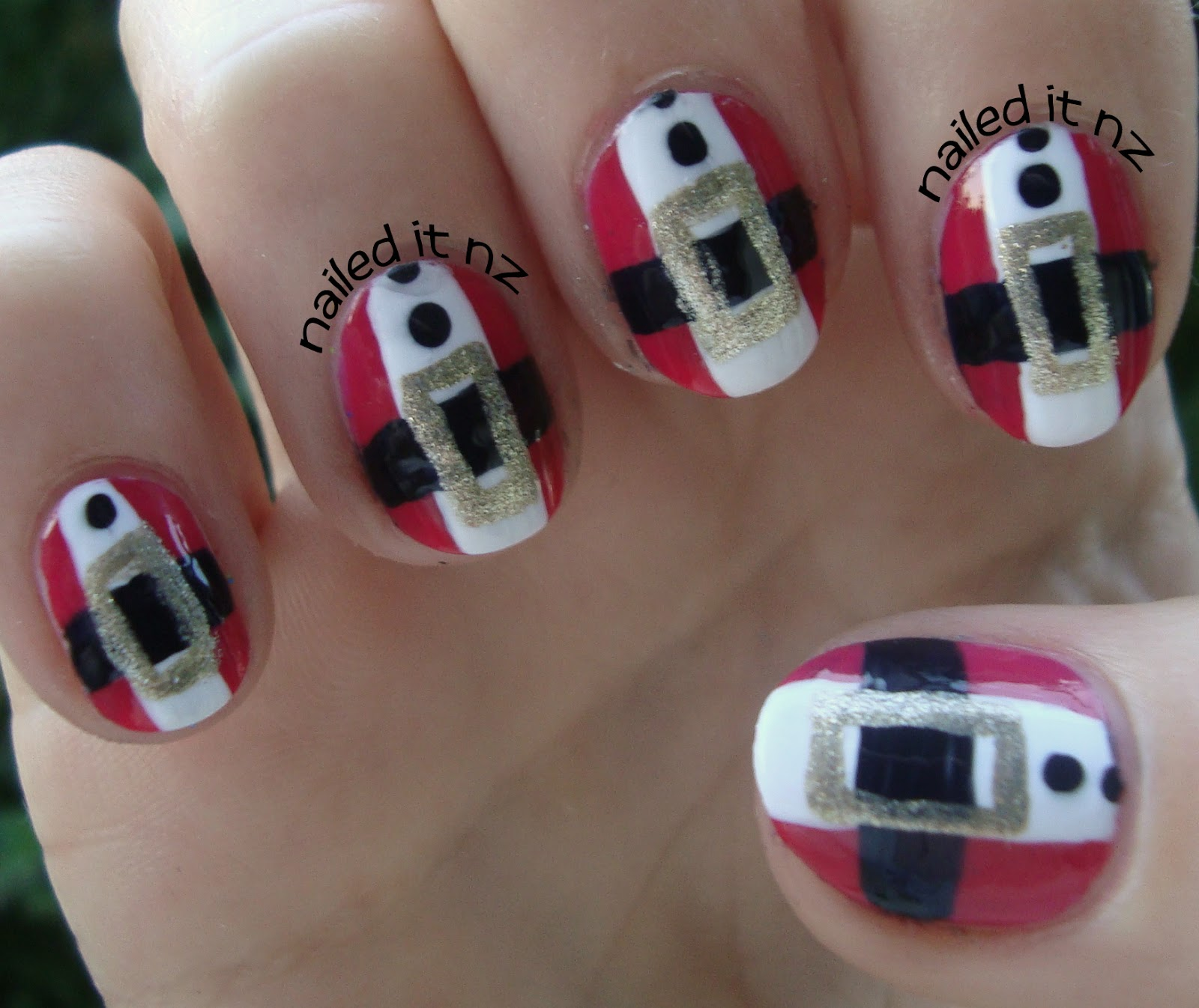 Santa Claus nail art tutorial!