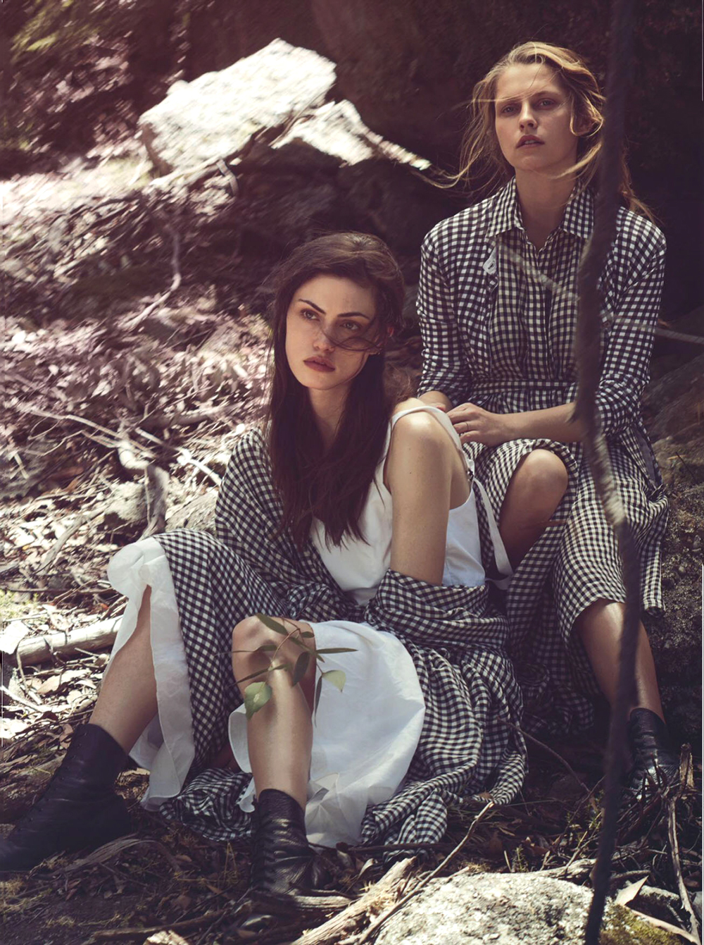 Teresa Palmer & Phoebe Tonkin in Lost in time / Vogue Australia March 2015 (photography: Will Davidson, styling: Christine Centenera) / fashioned by love british fashion blog / fashion editorials