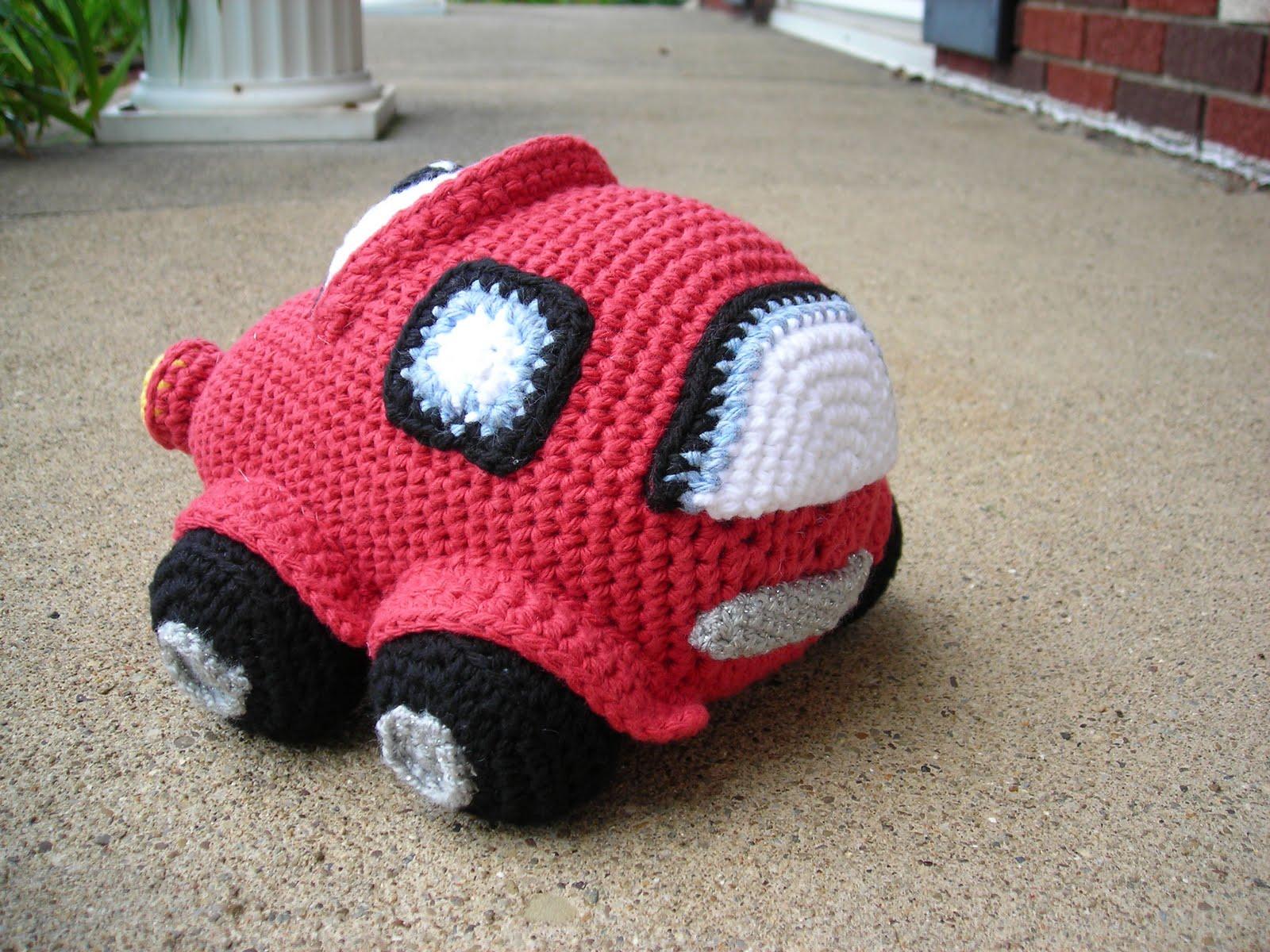 UFO Crafting: Red Amigurumi Car