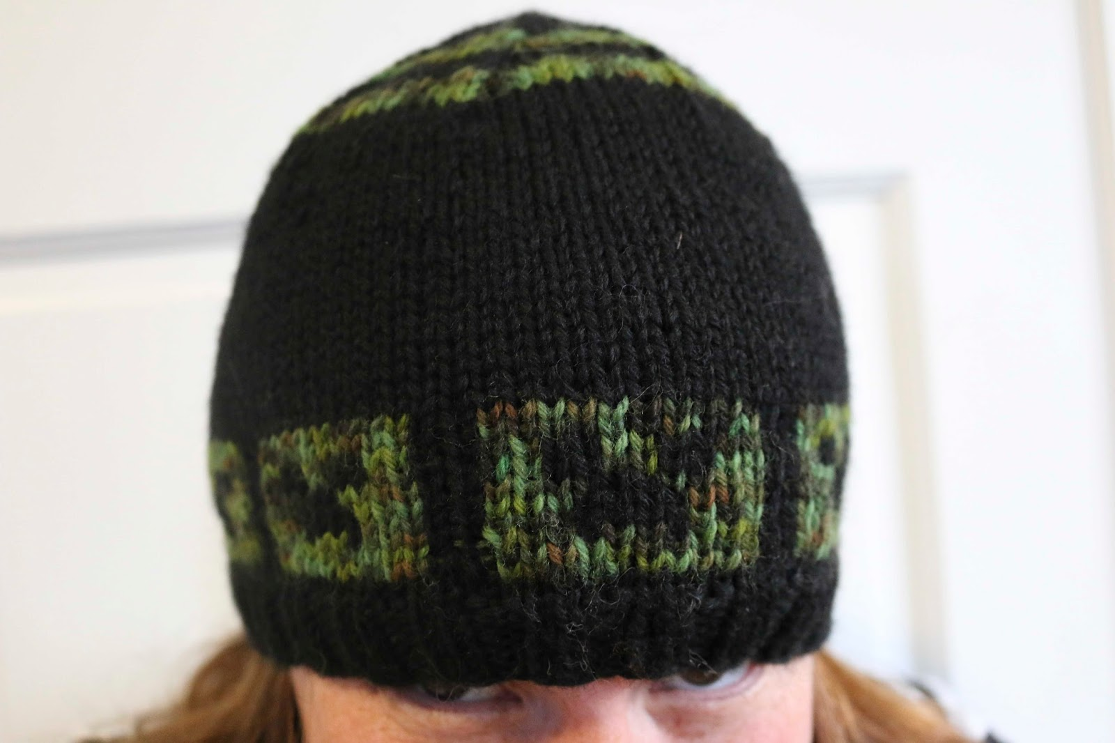 ChemKnits: Attack of the Creepers Hat - A Free Knitting Pattern!