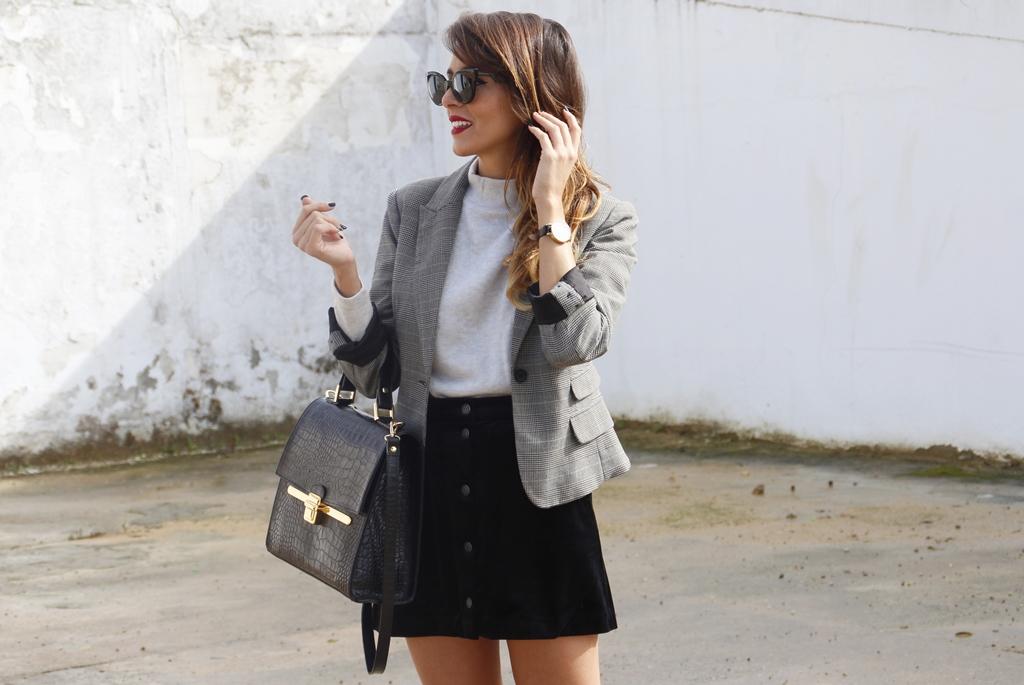rocio, osorno, moda, outfit, sevilla, diseñadora, blogger, instablogger, rocio0sorno, falda, terciopelo, mechas, californianas, buylevard, benavente, thecode