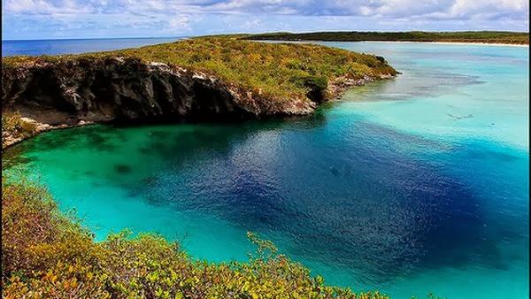 Dean's Blue Hole, Bahama