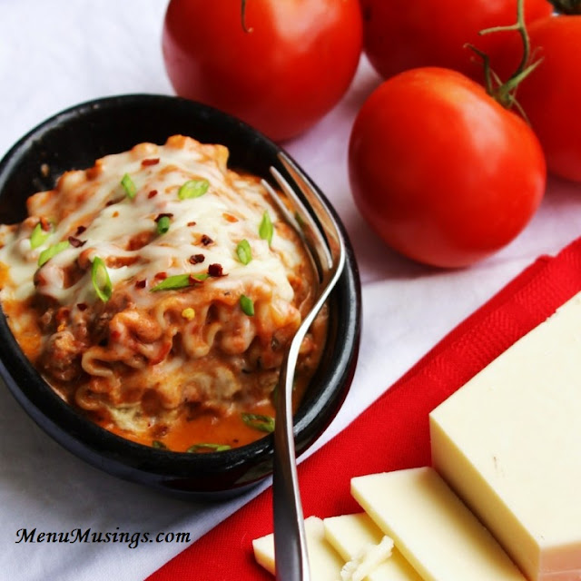 http://menumusings.blogspot.com/2013/02/lasagna-rollata-al-forno.html
