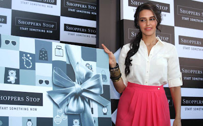 neha dhupia at shoppers stop gift card launch photo gallery