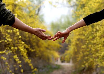 Contoh Panggilan Sayang Paling Romantis