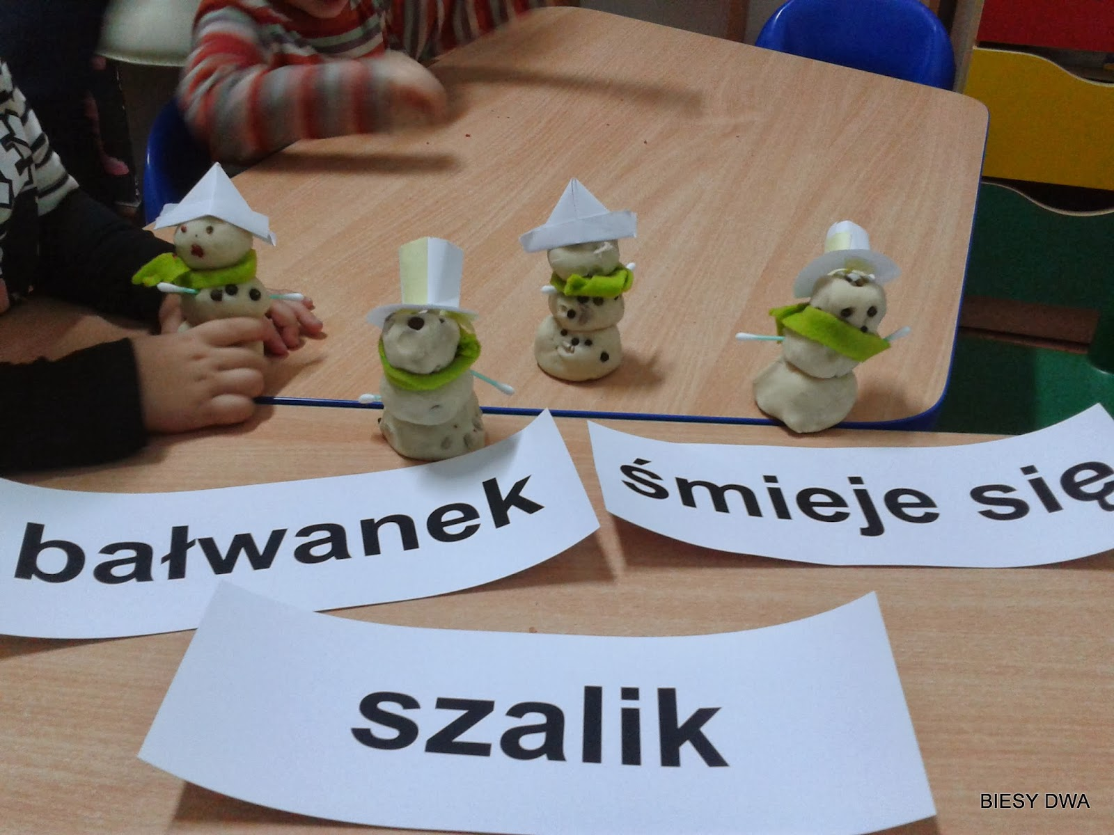 http://www.biesydwa.pl/2014/02/czytanie-globalne-lekcja-16.html