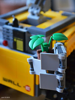 lego wall-e: the plant