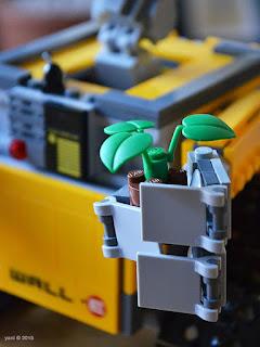lego wall-e: the plant