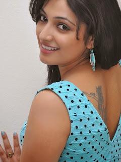 Spicy Stills of Tamil Model Hari Priya  (7).jpg