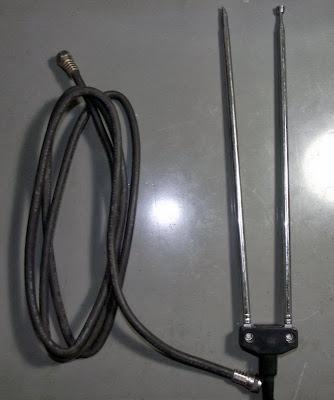 Antena interna e cabo coaxial