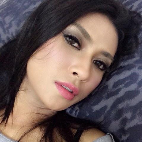 Gallery Foto Selfie Uli Auliani Model Cantik