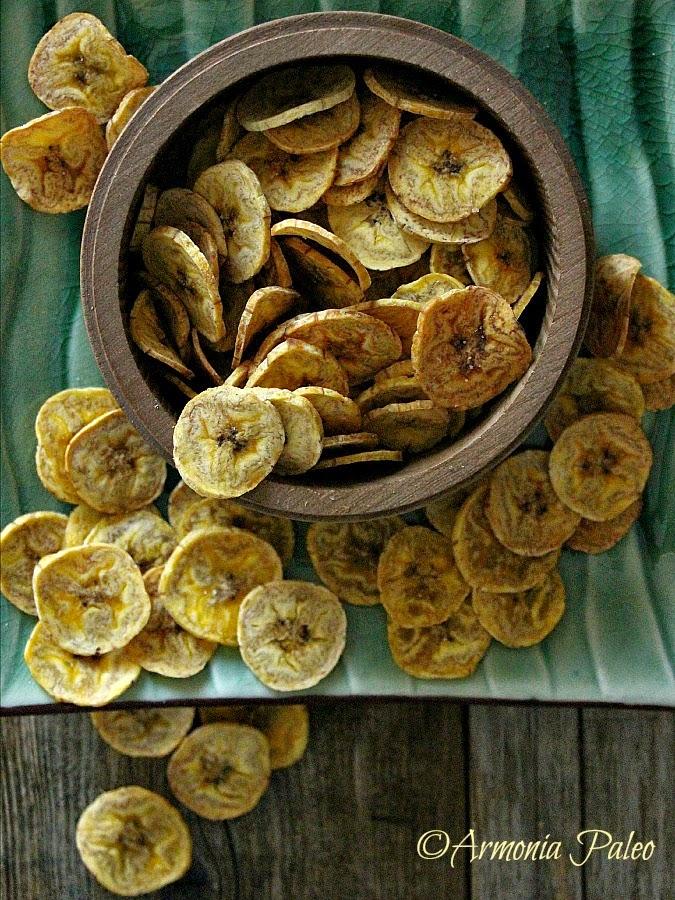Chips di Platano al Forno con Maionese di Avocado di Armonia Paleo