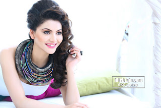 Urvashi Rautela Looks Sizzling Cute in Pink Glossy Lipstick and White Top Must see Pictureshoot