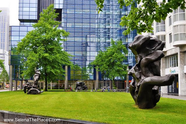 Sculpture Rotterdam Park
