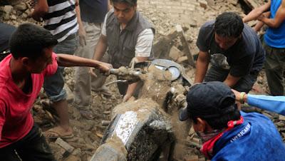 >Major Earthquake kills Dozens in India & Nepal, Japan awaits powerful Typhoon Roke