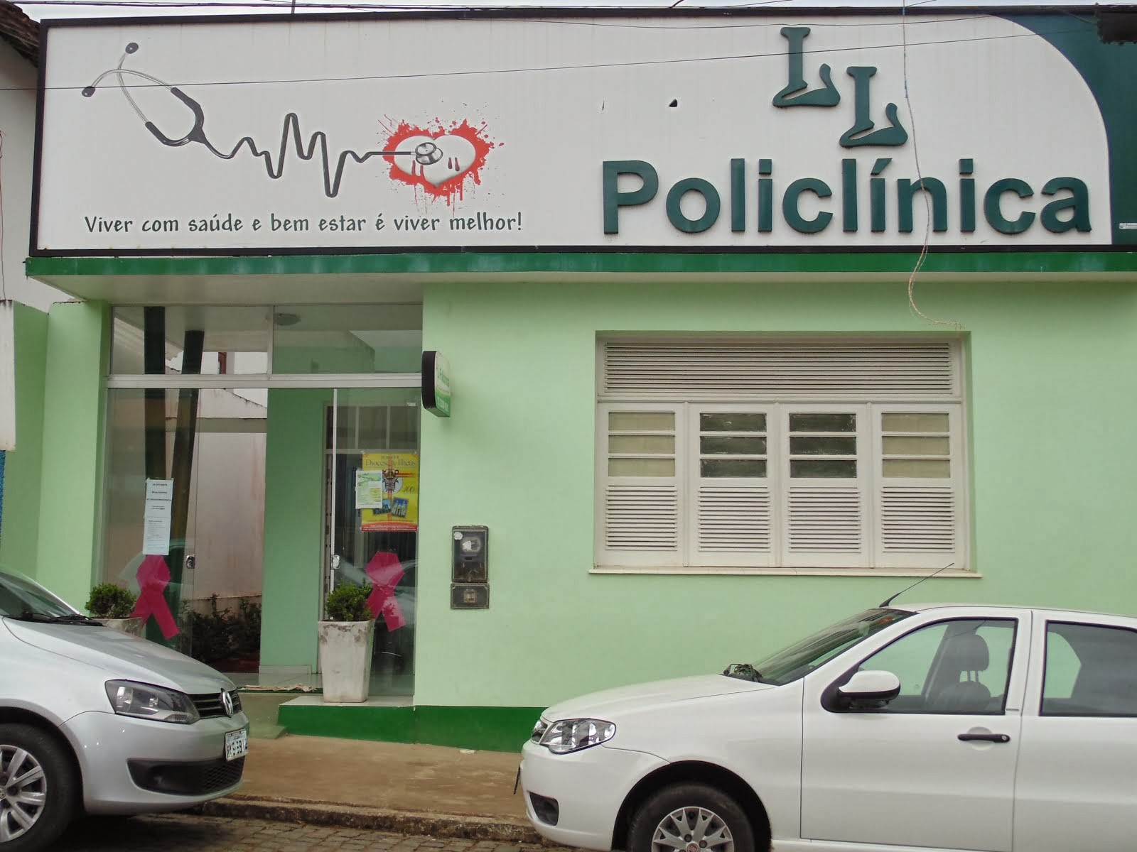 LL POLICLÍNICA.