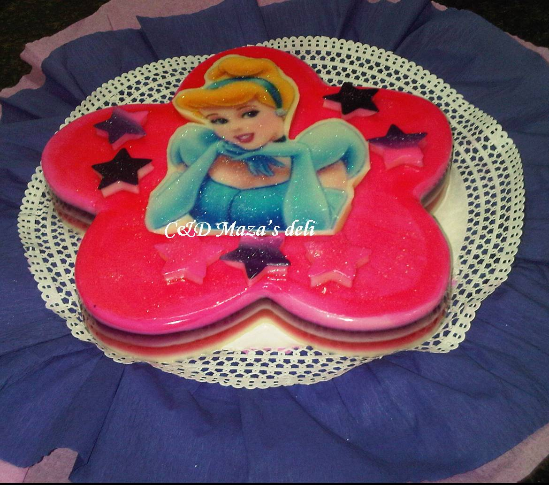 C&D Mazas Deli: Torta castillo de princesas y gelatina