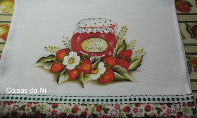 pintura de morangos e pote de geleia