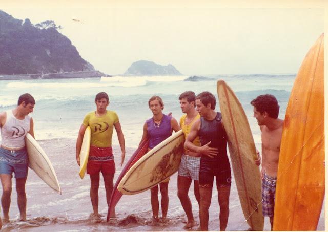 Eizmendi Surfers en Zarautz%2B1971