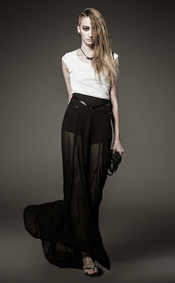 http://www.stylemoi.nu/sheer-chiffon-skirt-with-shorts-underlay.html