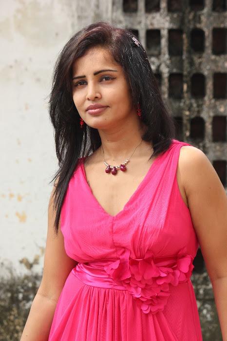 aashika glamour  images