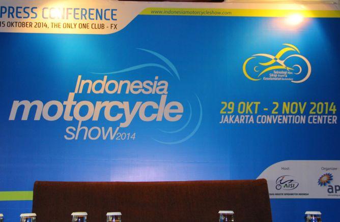 Hari ini Indonesia Motorcycle Show atau IMOS 2014 resmi di buka . . .