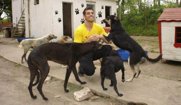 El difícil momento de los perros de Cristian U Cristian-U-en-el-refugio-630x366