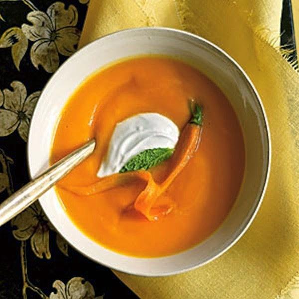 Trị mụn trứng cá từ cà rốt và sữa chua