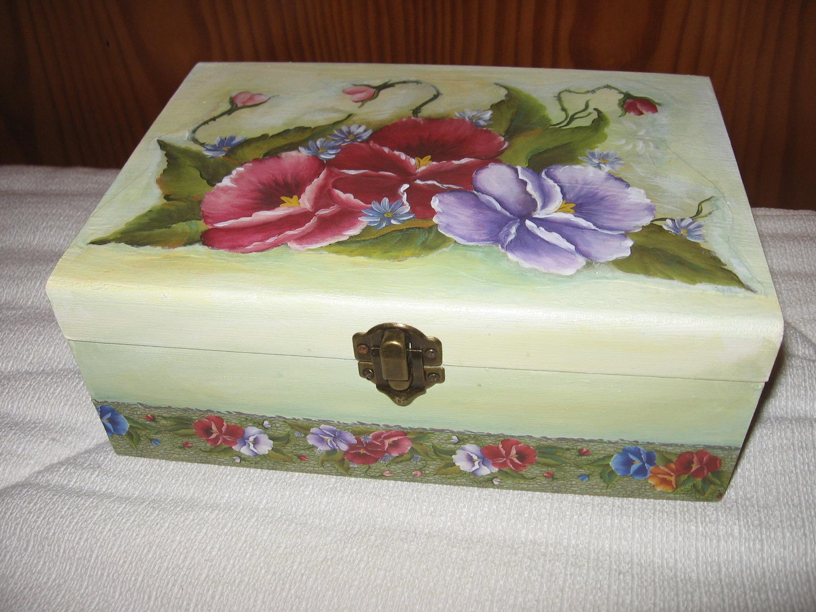 Formiga Rabiga: Caixas de madeira com pintura decoupage e técnica do  #3E2112 1600x1200