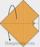 Bước 3: Gấp đôi tờ giấy về phía mặt đằng sau.