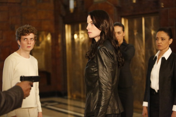 Continuum - Episode 3.12 - Two Minute Warning - Promotional and BTS Photos