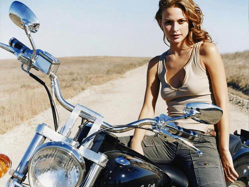 Moto Babes: Biker Chicks
