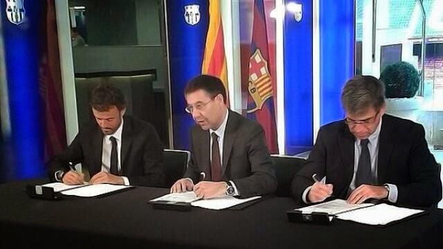 لويس انريكي يوقع على عقده مع برشلونة